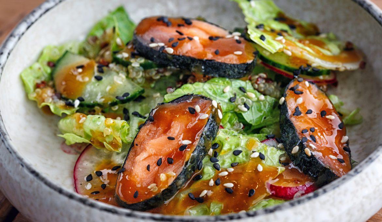 Салат с лососем и апельсиновой заправкой
