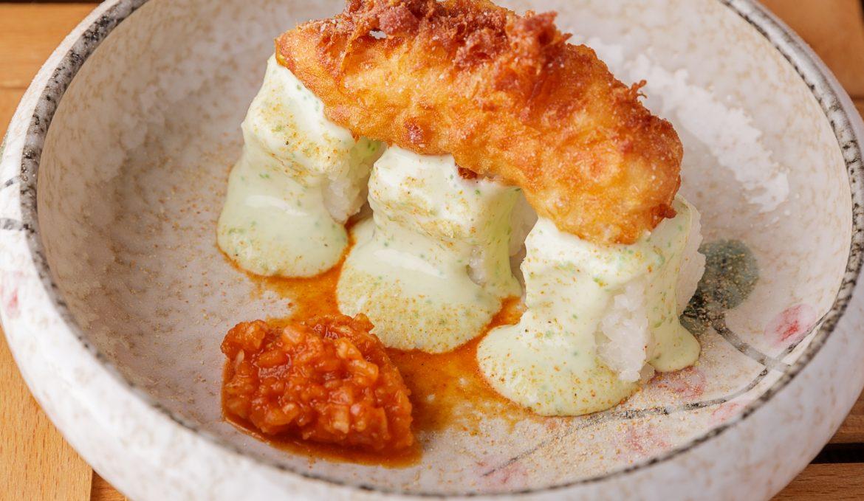 Креветка темпура с маринованным рисом и соусом Вассаби