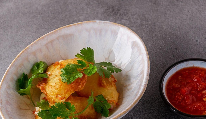 Алтайский сыр в кляре, с домашней аджикой и зеленью кориандра