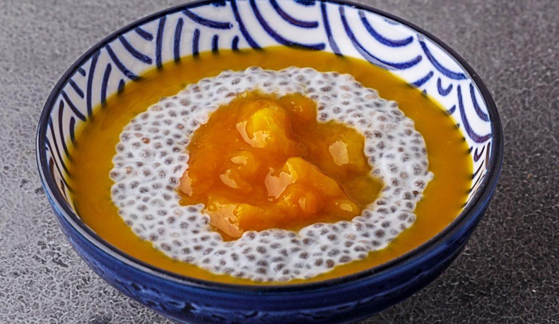 Чиа пудинг с манго