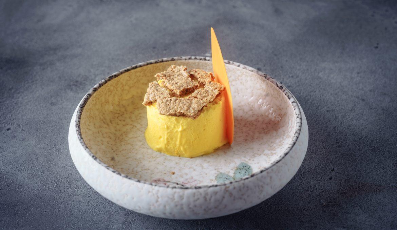 Лимонный Семифредо с печеньем из фундука