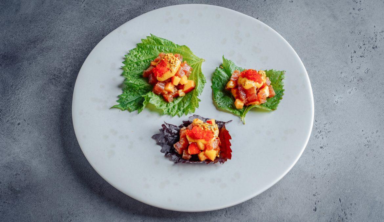 Тартар из тунца с нектаринами